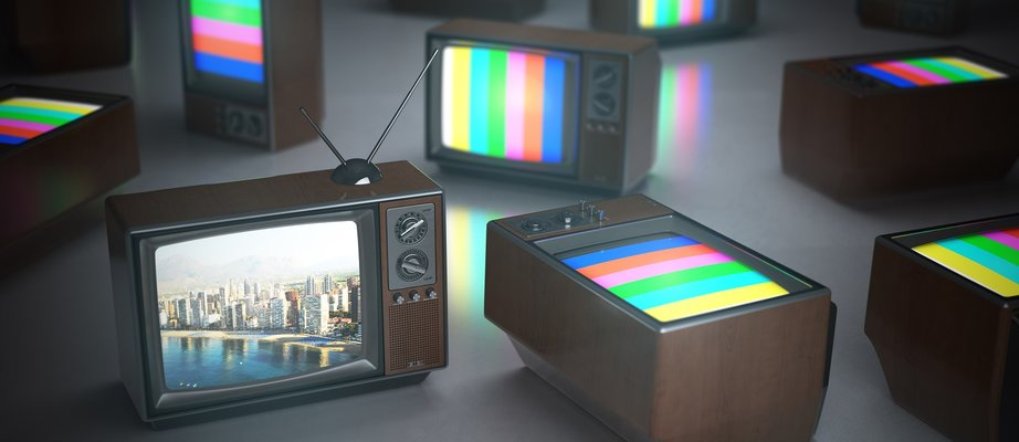 pile-of-vintage-tv-with-one-in-standby-tv-channels-PE3PQY8.jpg